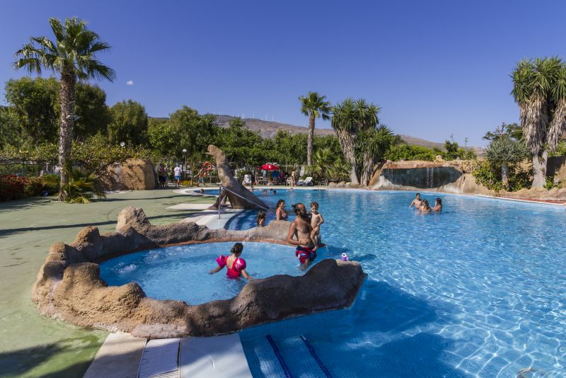 Camping don cactus costa tropical de granada for Piscina paraiso granada